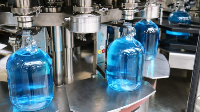 chemical bottle filling machine